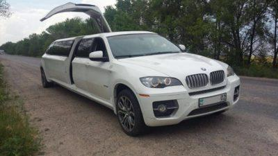 аренда лимузина BMW X6 в Алматы на свадьбу