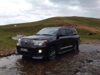 прокат toyota land cruiser с водителем