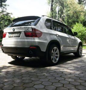 прокат автомобилей бмв x5 с водителем в алматы