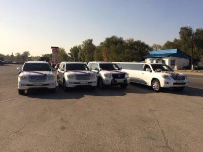 белый лимузин Lexus LX 570 в Алматы