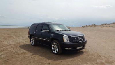 прокат Cadillac Escalade black с водителем