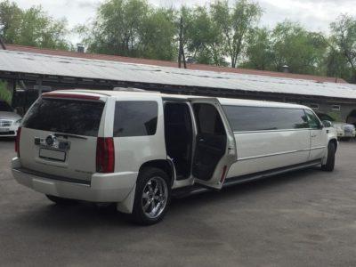 прокат лимузина на свадьбу Cadillac Escalade в Алматы