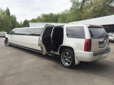 прокат лимузина Cadillac Escalade в Алматы на свадьбу