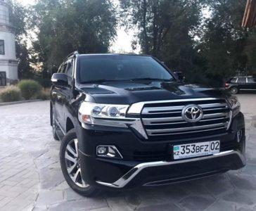 прокат Toyota Land Cruiser 200 2017 в Алматы