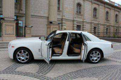 прокат белого Rolls-Royce Ghost на свадьбу в Алматы